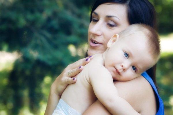 Носене на бебето
