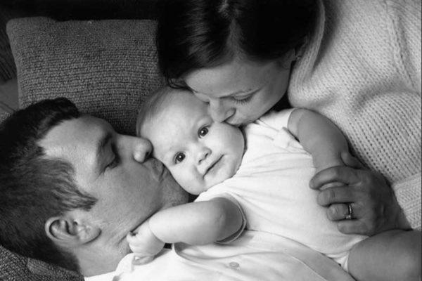 Възпитание на детето през първата година