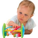 Подходящи играчки за бебе. Стимулиране на интелектуалното развитие на детето