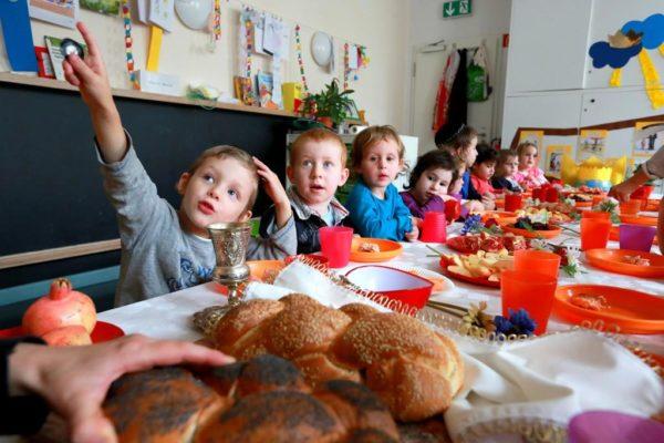 Тръгване на ясла или детска градина, тръгване на училище, адаптация на детето, преодоляване на стрес при децата