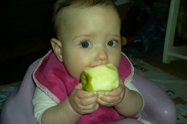 Захранване водено от бебето (BLW)