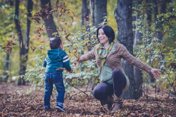 Доверие и разбирателство между родтиелите и деца. Майка и син. Онлайн семинар за родители