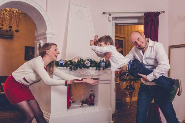 Игрови подход във възпитанието. Връзка между родители и деца