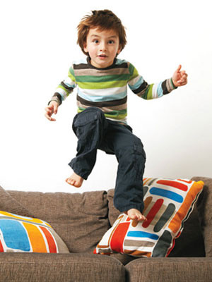 Детето има право на всякакви чувства, но не на всякакво поведение. Възпитание. Бебешки пубертет. от 2 до 4 години. Правила и уважение