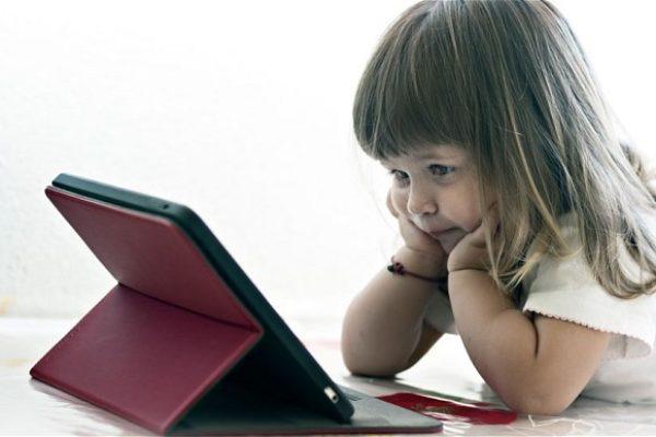 Развитие на мозъка на детето. Детето и компютъра, таблета, смартфона, телевизора