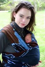 носене на бебе в слинг