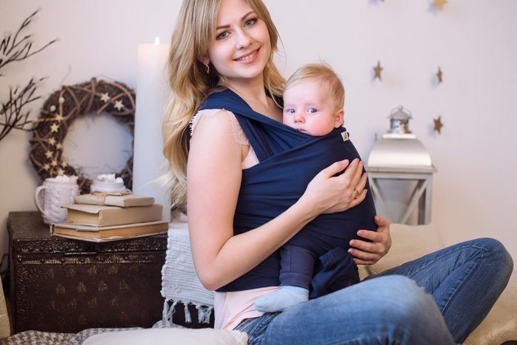 Слинг, връзване на слинг, носене на бебе в слинг