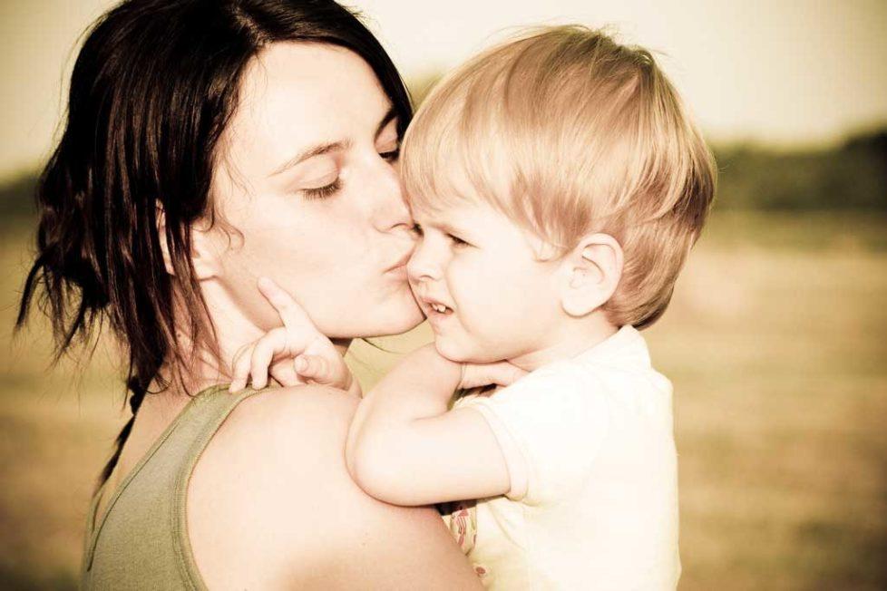 За мама, привързаност и самостоятелност, отбиване на кърмачето, тръгване на ясла, детска градина, отделяне от мама, майка орлица