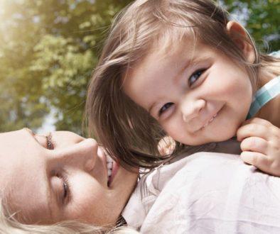 посихосоматичен подход към здравто на детето, психосоматично лечение на детски болести, Безусловна любов, майкчина любов, бащина любов, защо децата не слушат? Щастливо дете. Каква майка си на детската площадка. Здраве, холистичен подход към здравето, често боледуване, хронични болести, щастие, консултации
