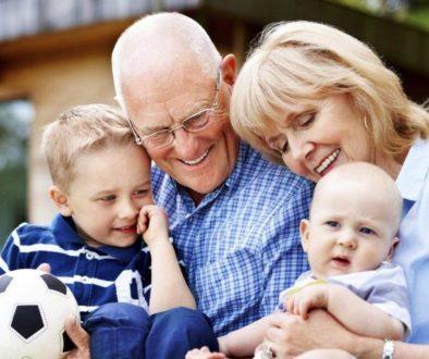 участие на бабите и дядовците в грижите за детето