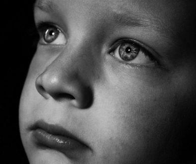 тъжно дете, проблеми при дете, агресия при деца, технологии и деца, емоции и деца, ртодители, възпитание, самостоятелност,