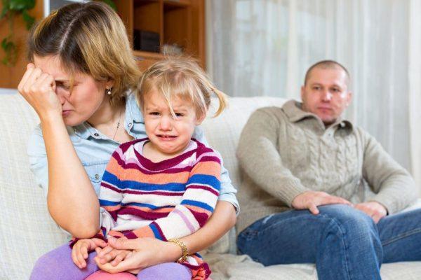 възпитание, дете, болно дете, мама, татко, родителство, родител, баща, майка, отглеждане на дете, грижи за дете